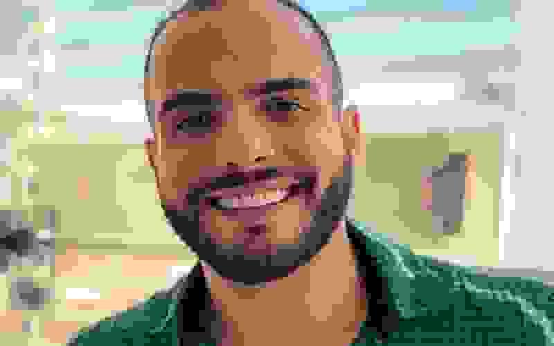 Ex-BBB Mahmoud sofre ameaças de haters por declarar torcida a favor de Felipe Prior
