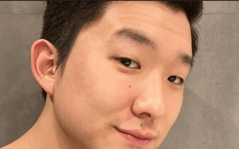 Ex-BBB Pyong Lee deleta publicações sobre o